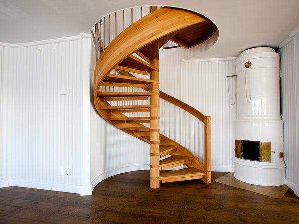 begagnad spiraltrappa inomhus