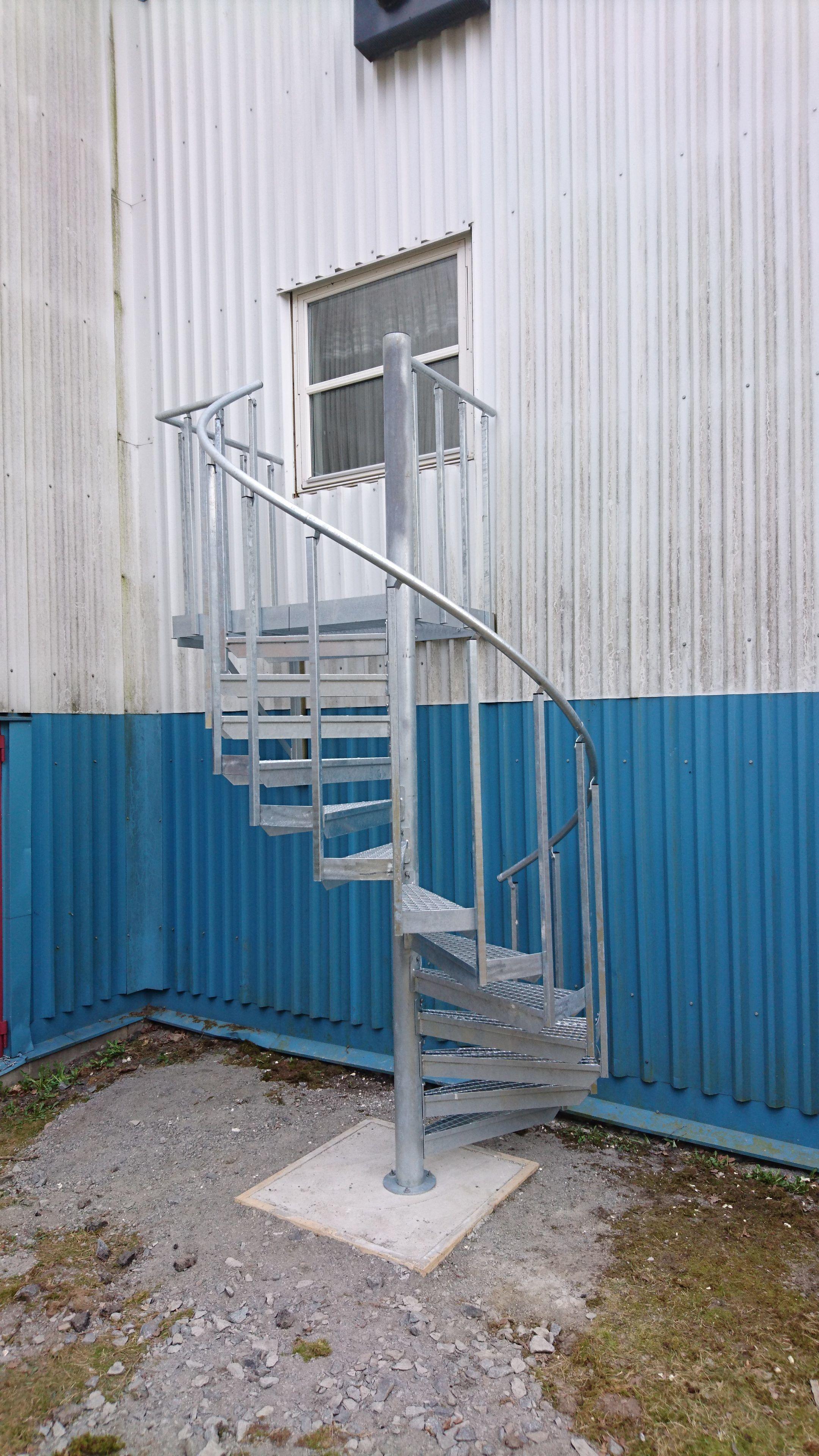 Bygg anpassad Utrymningstrappa för säkerhetsändamål | Trappspecialisterna