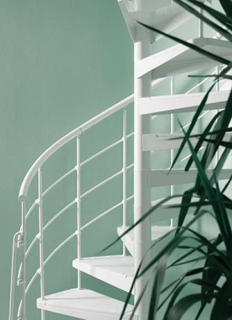 Bygg din spiraltrappa attraktivt genom att lägga till egna färger på dina räcken   Trappspecialisterna