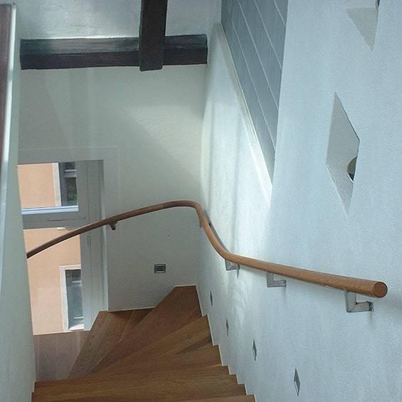 inomhus trä Handrailkolumn Trappa | Trappspecialisterna