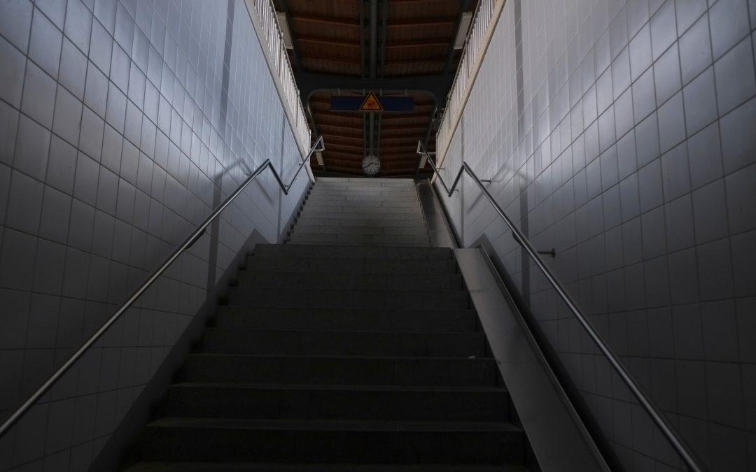 """Platsbesparande trappa – Vad är en """"paddeltrappa""""?"""
